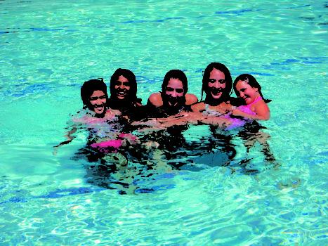 dziewczyny na basenie