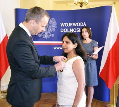 Złoty krzyż zasługi dla dr Preeti Agrawal